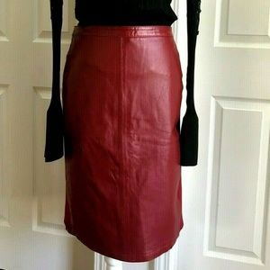JESSICA LONDON Red Leather Spandex Skirt Size 28
